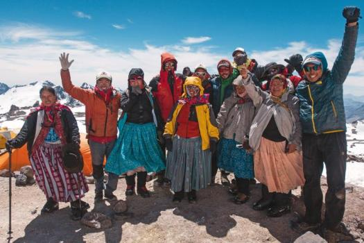 "Climbing cholitas met on the mountain: they all work or have worked cooking for tourists who climb the different Bolivian hills or act as porters, carrying the bags of tourists Credit: Courtesy: Arena Communication. The ""Cholitas Escaladoras"" (Climbing 'Cholitas') are going for Everest."