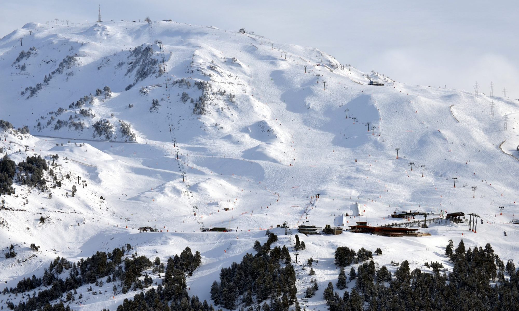 Baqueira Beret photo. Baqueira Beret has closed its third best season in the decade.
