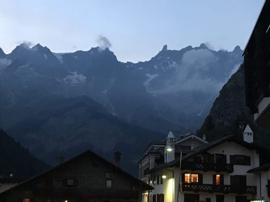 Nightime coming to Courmayeur- Photo: The-Ski-Guru. Our summer in the mountains – one week in Courmayeur.