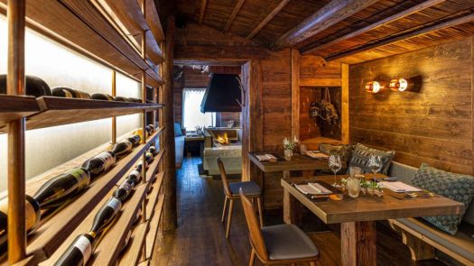 Baita Pie Tofana in Cortina. Where to eat in Cortina d'Ampezzo.