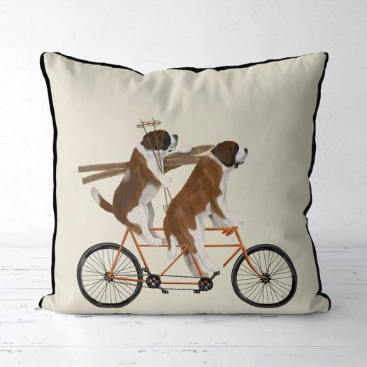 This lovely St Bernard pillow would make your sofa happy. Stay at the Heart of the Valdigne to ski in Courmayeur, La Thuile and Pila/Aosta.