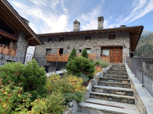Il Cuore della Valdigne. Stay at the Heart of the Valdigne to ski in Courmayeur, La Thuile and Pila/Aosta.