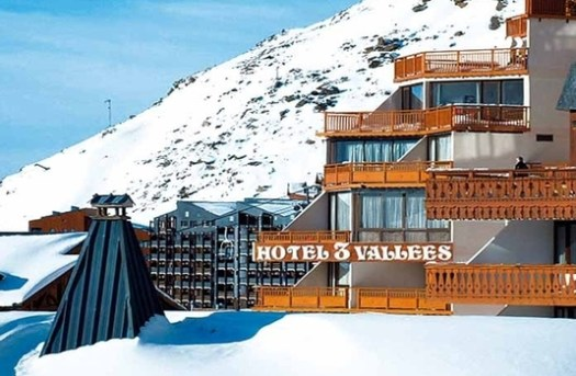 Hotel Trois Vallées. Where to Stay in Val Thorens. Val Thorens hosts the first stage of the World Cup Ski Cross.