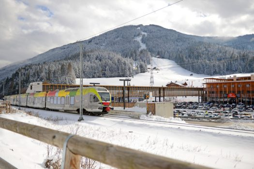 Ski Pustertal Express, connecting Drei Zinnen and Kronplatz in Sudtirol. Different types of lifts on resorts (I can think of) and how to ride them.
