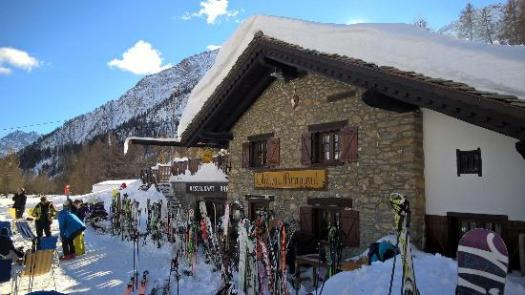 Chateau Branlant exterior. A Foodie Guide to on-Mountain Dining in Courmayeur.