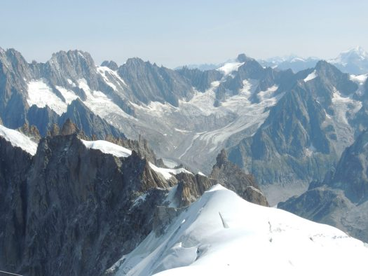 The views from Aiguille du Midi are impressive, even though the structure looks a bit old, the views is what you pay for. And it is really worth it. Aiguille du Midi vs Punta Helbronner – which one you should do?