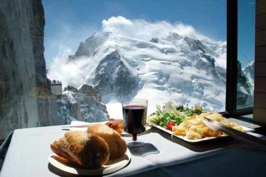 Restaurant/Cafe 3842- a pause with a view. The Must-Read Guide to Chamonix.