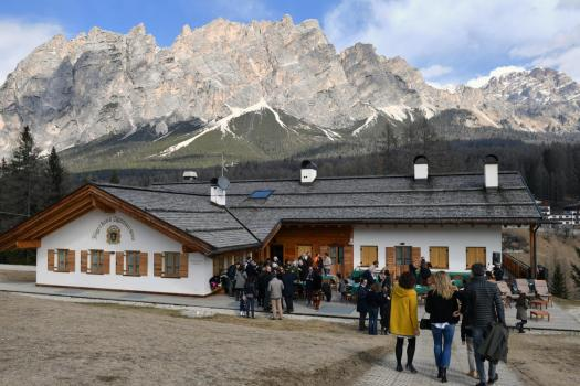 The exterior of the Jägerhaus Agriturismo. Book your stay at the Jägerhaus Agriturismo here. Cortina d'Ampezzo is ready for a new summer season.
