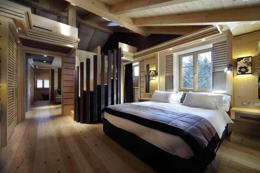 Room at the Rosapetra Resort Spa. Cortina Dolomiti Ultra Trekking.