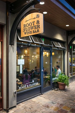 The Root & Flower Wine Bar in Vail. The Must-Read Guide to Vail.