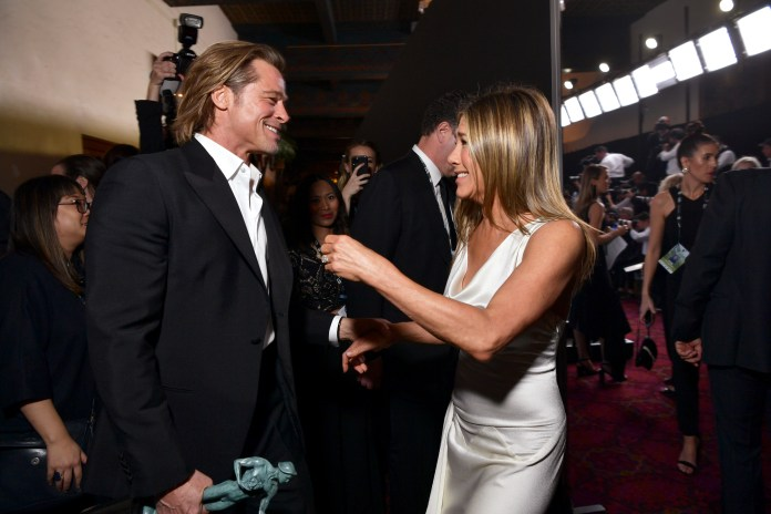 Jen is very good at staying close to her ex - photographed with her ex-husband Brand Pitt earlier this year