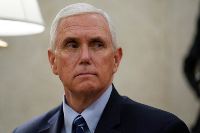 Pence won't be self-isolating despite his exposure to his infected press secretary