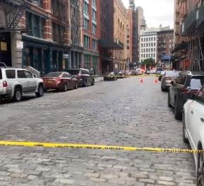 La policía acordona el área cerca de la casa de Taylor Swift