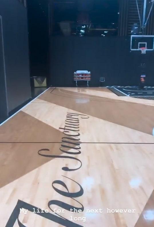 Drake built himself a custom full-sized basketball court