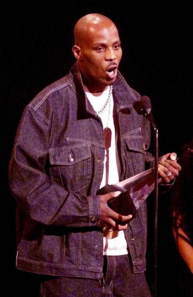 DMX accepts the award for Favorite Rap/Hip Hop artist during a live broadcast of the 27th Annual American Music Awards at the Shrine Auditorium in Los Angeles in 2000
