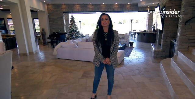 Kyle gave a fans a tour of her La Quinta mansion