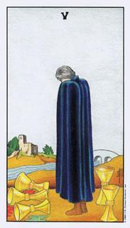 betekenis van de tarotkaart bekers vijf bij het kaartleggen met de tarot.
