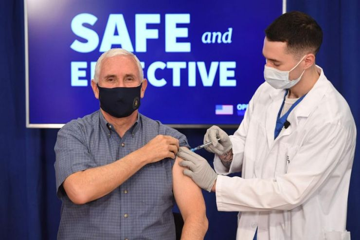 U.S Vice President Mike Pence publicly receives Covid-19 vaccine (Video)