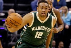 Milwaukee Bucks: Jabari Parker tears ACL again