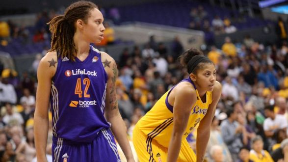 Los Angeles Sparks Blow out Phoenix Mercury 82-67