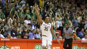 Notre Dame Survives A Scare From Pittsburgh