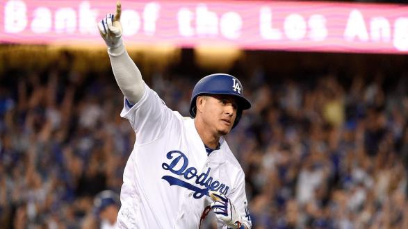 San Diego Padres Agree To Terms With Manny Machado