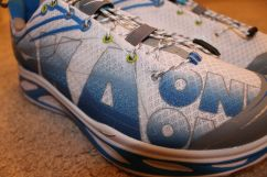 hoka one one huaka close