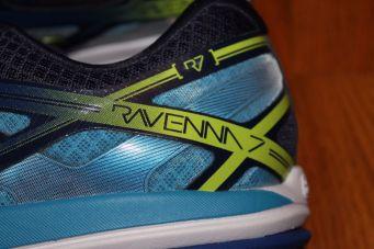 brooks-ravenna-7-heel-close