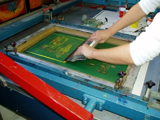 How to Screen Print a T Shirt   The Adair Group   Resources Screen printing process  Image from ideasworkshops com