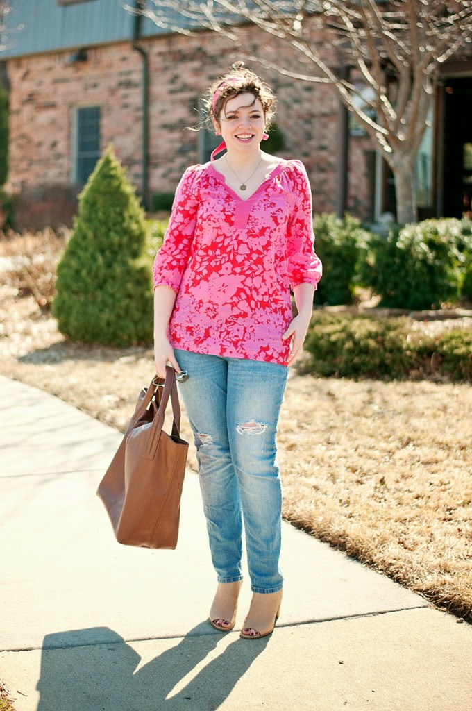 pink floral tunic and destroyed jeans