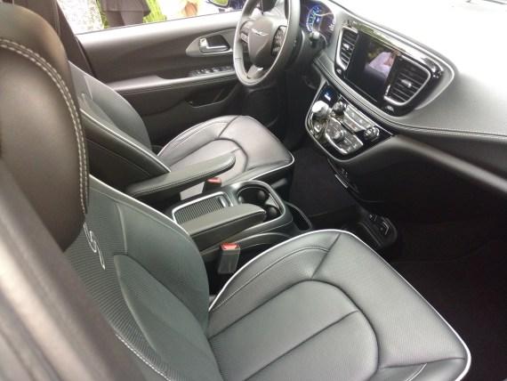 2019_Chrysler_Pacifica_S_Trim_Interior