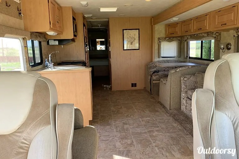 2006 Damon Daybreak RV Rental Denver Interior