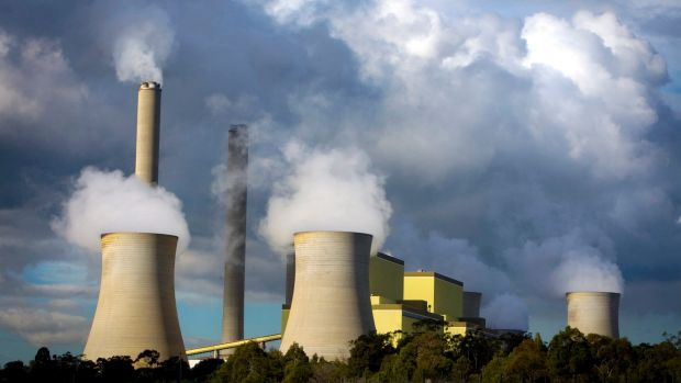 AGL Energy says it will lock out the entire workforce on May 15.