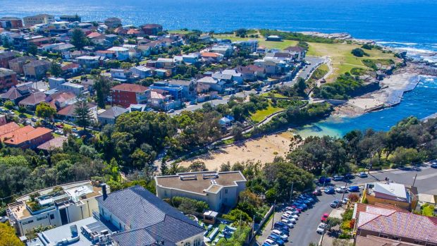 Clovelly Hotel, one of the best pubs located in Eastern Suburbs.