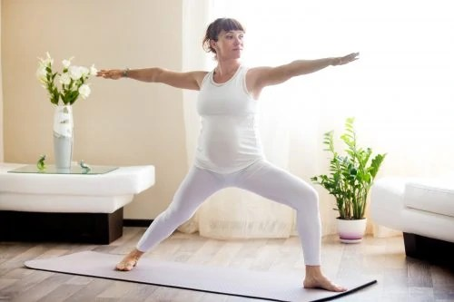 pregnancy-yoga-prenatal-yoga-for-beginniers