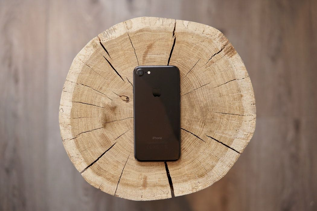 Smartphone Deals: iOS 14 Supportable iPhone 7 is Just $229 Today At Amazon