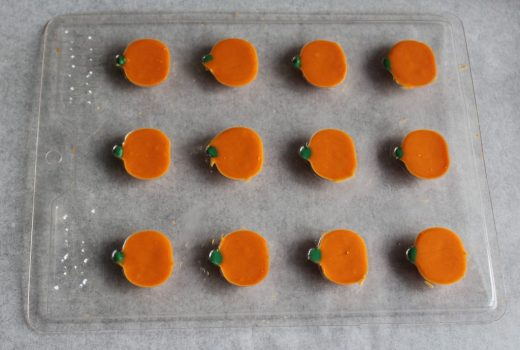 Pumpkin Spice Pumpkins for Fall Chocolate Bark