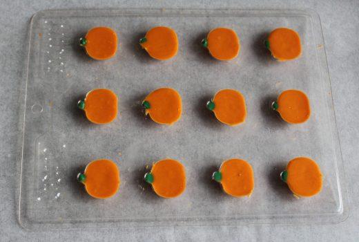 Pumpkin Spice Pumpkins for Fall Chocolate Bark