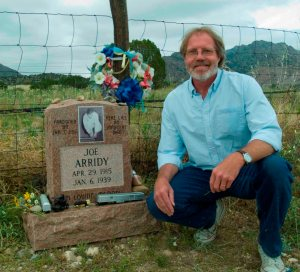 Craig Severa by the grave of Joe Arridy