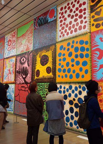 YAYOI KUSAMA | אמנית יפנית יאיוי קוסמה | בלוג אמנות