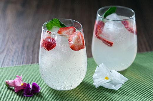 Strawberry Mint Vodka Lemonade Cocktails