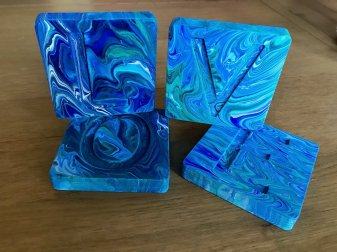 acryl pouring letters
