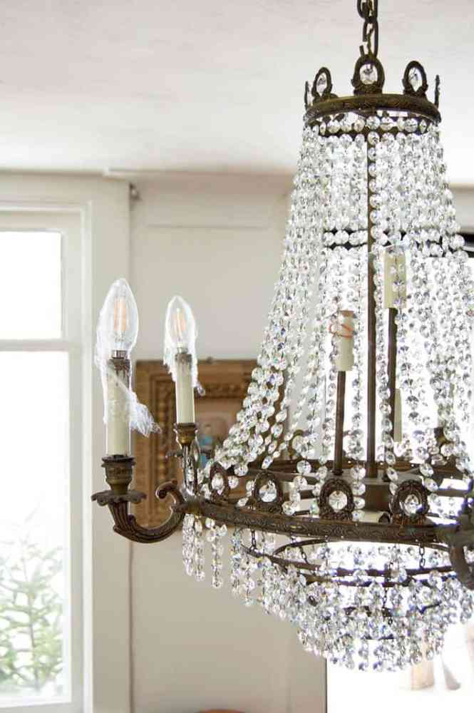 Wring Chandelier Bulbs For Cleaning