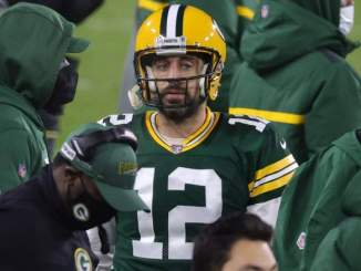Aaron Rodgers' Contract Hurting Packers in Free Agency?