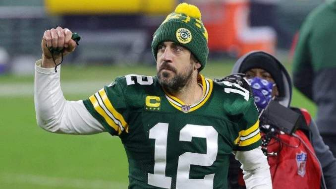 Giants GM on Aaron Rodgers Trade Rumors: 'None of My Business'