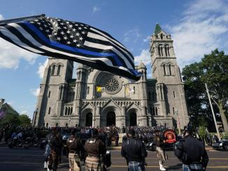 Hundreds pay final respects to slain St. Louis police officer | News