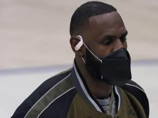 Lakers' LeBron James Mocked by Police Officer in Viral Video