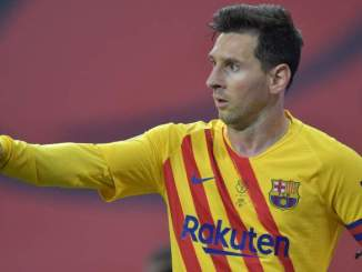 Messi Wants to Delay Barcelona Contract Talks: Report