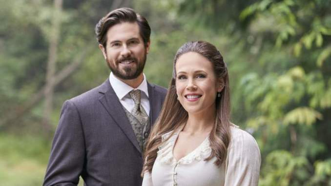 New WCTH Photos Hint at Lucas Opening Up More to Elizabeth