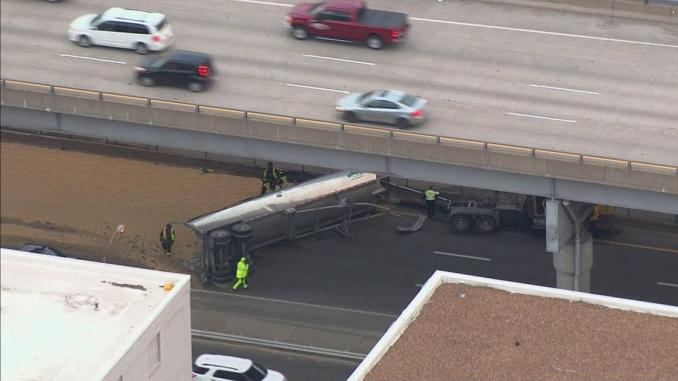 Overturned semi spills soybeans on I-64 in St. Louis   News